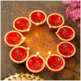 Send Diwali Diyas Online for Festival of Lights